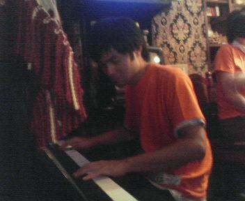 ピアノ大会突入!